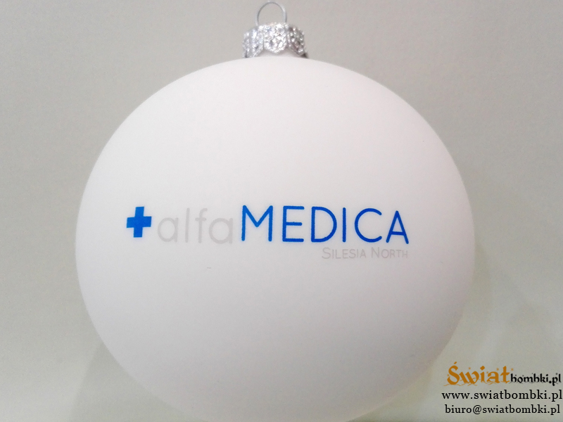 Christmas baubles with a logo alfa MEDICA
